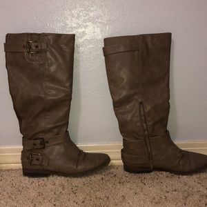 Gently used brown/ taupe boots